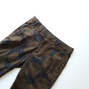 vince. Black and green palm print pant